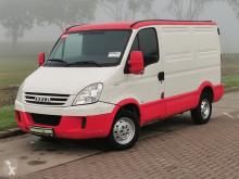 Fourgon utilitaire Iveco 35S14 L2 H1