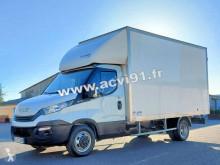 Úžitkové vozidlo veľkoobjemová skriňová dodávka Iveco Daily 35C16