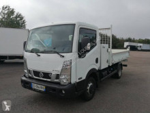 Nissan NT 400 35.13 utilitaire benne occasion