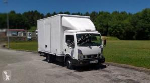 Camión Nissan NT 400 35.13 furgón usado