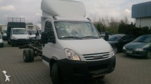 Utilitaire châssis cabine Iveco Daily 65C15