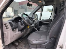 Voir les photos Véhicule utilitaire Citroën Jumper 2.2 L HDi 120 CV