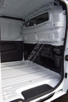 Voir les photos Véhicule utilitaire Renault Trafic L2H1 1.5 DCI 125 TWIN TURBO GRAND CONFORT