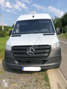 Voir les photos Véhicule utilitaire Mercedes Sprinter 319 CDI