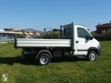 Voir les photos Véhicule utilitaire Renault Mascott 150.35 3.0 DCI