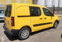 Voir les photos Véhicule utilitaire Citroën Berlingo HDi 75