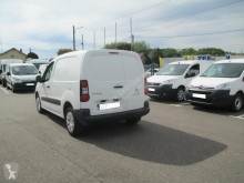 Voir les photos Véhicule utilitaire Citroën Berlingo 20 L1 1.6 HDI 90 BUSINESS