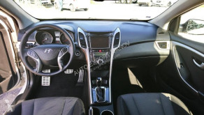 Преглед на снимките Лекотоварен автомобил Hyundai i30