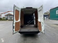 Voir les photos Véhicule utilitaire Iveco Daily 35S13 2.3