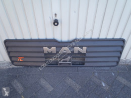 MAN GRILLE