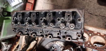 Caterpillar cylinder head Culasse PERKINS 704-3 Cylinder head Perkins series 700 pour camion