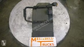części zamienne do pojazdów ciężarowych Renault Pièces détachées Spatbord rechts pour camion