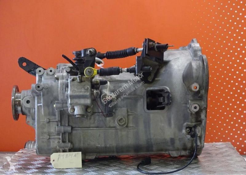 Vedere le foto Ricambio per autocarri Nissan Cabstar Boîte de vitesses Montagem Caixa de Velocidades pour camion   3.0 TD de 2002