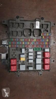 repuestos para camiones Renault Boîte à fusibles /Central fuse box 7421464562 7421169993 7421079590 pour camion