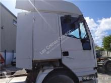 Ricambio per autocarri Iveco Eurostar Aileron Lateral pour tracteur routier (LD) LD440E46T usato