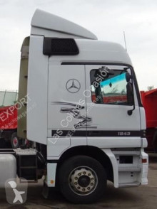 Pièces détachées PL Aileron SPOILER LATERAL IZQUIERDO pour tracteur routier MERCEDES-BENZ ACTROS occasion