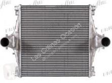 Raffreddamento Iveco Eurotech Refroidisseur intermédiaire pour camion (MP) FSA (440 E 43) [10,3 Ltr. - 316 kW Diesel]