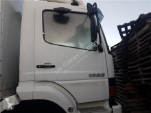 Reservedele til lastbil nc Porte Delantera Derecha pour camion MERCEDES-BENZ ATEGO 1828 950.53 brugt