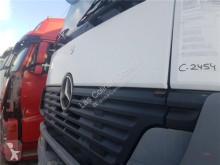 Pièces de carrosserie OM Calandre pour tracteur routier MERCEDES-BENZ Axor 2 - Ejes Serie / BM 944 1843 4X2 457 LA [12,0 Ltr. - 315 kW R6 Diesel ( 457 LA)]