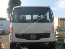 Repuestos para camiones Nissan Atleon 56 cabina / Carrocería cabina usado