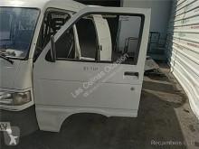 Repuestos para camiones Piaggio Porte pour véhicule utilitaire PORTER Furgón 1.0 cabina / Carrocería piezas de carrocería puerta usado