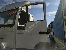 Części zamienne do pojazdów ciężarowych MAN Porte pour camion L 2000 9.225 LLS, LLRS (LE220C) używana