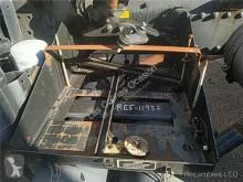 Repuestos para camiones MAN Boîtier de batterie pour camion L 2000 9.225 LLS, LLRS (LE220C) usado