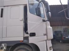 Części zamienne do pojazdów ciężarowych DAF Porte pour tracteur routier XF 105 460 używana
