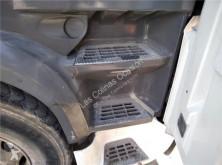 Náhradní díly pro kamiony DAF Marchepied pour tracteur routier XF 105.460 použitý