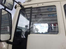 Repuestos para camiones Volvo FL Vitre latérale pour camion 6 618 usado