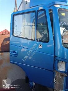 Pièces détachées PL Nissan Atleon Porte pour camion 110.35, 120.35 occasion