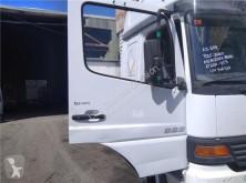 Náhradní díly pro kamiony Porte pour camion MERCEDES-BENZ ATEGO 923,923 L použitý