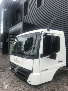 Mercedes Axor tweedehands cabine