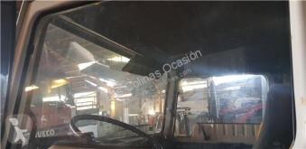 Ricambio per autocarri Nissan Vitre latérale pour camion L - 45.085 PR / 2800 / 4.5 / 63 KW [3,0 Ltr. - 63 kW Diesel] usato