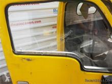 Pièces détachées PL Nissan Cabstar Vitre latérale pour camion 35.13 occasion