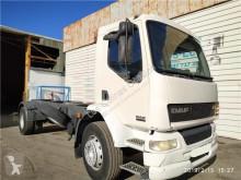 Náhradní díly pro kamiony DAF Boîtier de batterie Tapa Baterias pour camion LF55 použitý