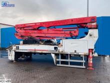 Auxiliary crane M 28