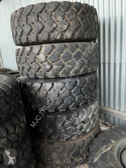 Michelin 6x 355/80R20 - INCL STEEL RIM (8 BOLTS) * AS NEW* / 6x PNEUS AVEC JANTES 355/80R20 *COMME NEUF* däck begagnad