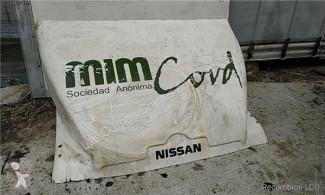 Pièces détachées PL Nissan Atleon Aileron Spoiler Central pour camion occasion