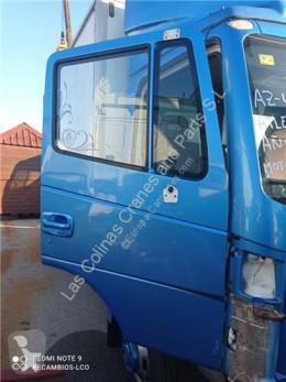 Pièces détachées PL Nissan Atleon Porte Puerta Delantera Derecha 110.35, 120.35 pour camion 110.35, 120.35 occasion
