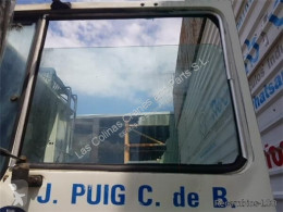 Náhradné diely na nákladné vozidlo Pegaso Vitre latérale LUNA PUERTA DELANTERO IZQUIERDA EUROPA 1217.17 pour camion EUROPA 1217.17 ojazdený