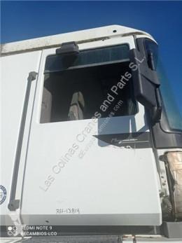 قطع غيار الآليات الثقيلة Renault Magnum Porte Puerta Delantera Derecha E.TECH 480.18 pour camion E.TECH 480.18 مستعمل