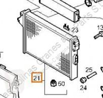 Repuestos para camiones Iveco Daily Radiateur de refroidissement du moteur Radiador III 35C10 K, 35C10 DK pour camion III 35C10 K, 35C10 DK sistema de refrigeración usado
