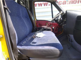 Cabine / carrosserie Iveco Daily Siège Asiento Delantero Derecho III 35C10 K, 35C10 DK pour camion III 35C10 K, 35C10 DK
