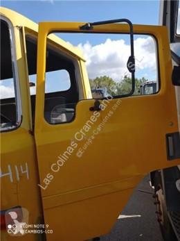 Ricambio per autocarri Nissan Porte Puerta Delantera Izquierda EBRO L 80.09 pour camion EBRO L 80.09 usato