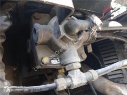 Ricambio per autocarri Nissan Maître-cylindre de frein Bomba De Freno EBRO L 80.09 pour camion EBRO L 80.09 usato