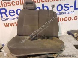 Cabine / carrosserie Nissan Cabstar Siège Asiento Delantero Derecho 35.13 pour camion 35.13