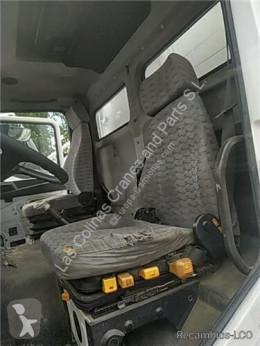 MAN Siège Asiento Delantero Izquierdo M 90 12.232 169/170 KW FG Bad pour camion M 90 12.232 169/170 KW FG Bad. 4250 PMA11.8 E1 [6,9 Ltr. - 169 kW Diesel] kabine / karrosseri brugt