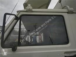 Repuestos para camiones MAN Vitre latérale LUNA PUERTA DELANTERO IZQUIERDA G 8.136 F,8.136 FL pour camion G 8.136 F,8.136 FL usado