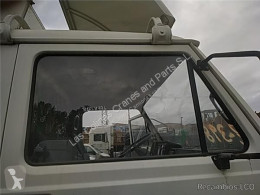 Резервни части за тежкотоварни превозни средства MAN Vitre LUNA PUERTA DELANTERO DERECHA G 8.136 F,8.136 FL pour camion G 8.136 F,8.136 FL втора употреба